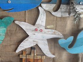 reclaimed wood starfish wall decor