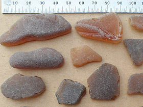 sea glass lot 290519A - brown sea glass sizes