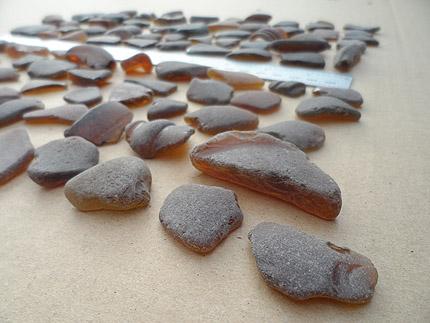 sea glass lot 290519A - brown sea glass