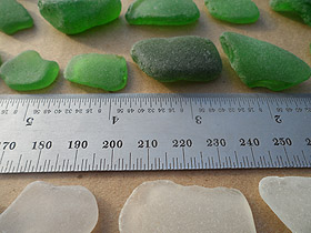 sea glass lot 290519B - green and white