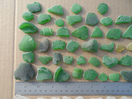 sea glass lot 290519B - green sea glass