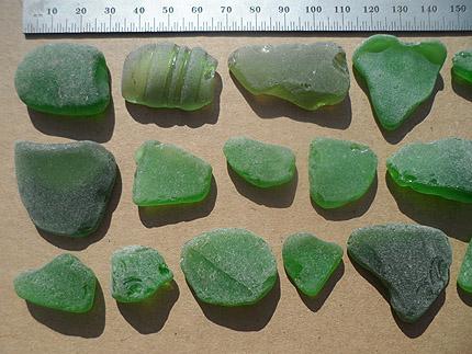 sea glass lot 300519B - green sea glass