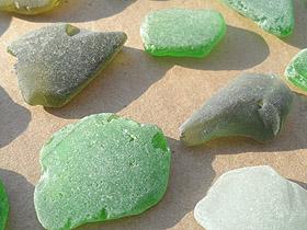 sea glass lot 300519F - craft quality sea glass