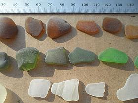 sea glass lot 300519F - jewellery quality sea glass